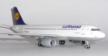 Airbus A320 Lufthansa Germany Herpa Model Scale 1:200 553766 D-AIQS eb